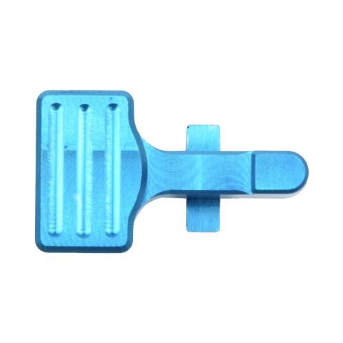 RETROARMS CNC BOLT CATCH AR15 TYPE B LIGHT BLUE (RA-6867)